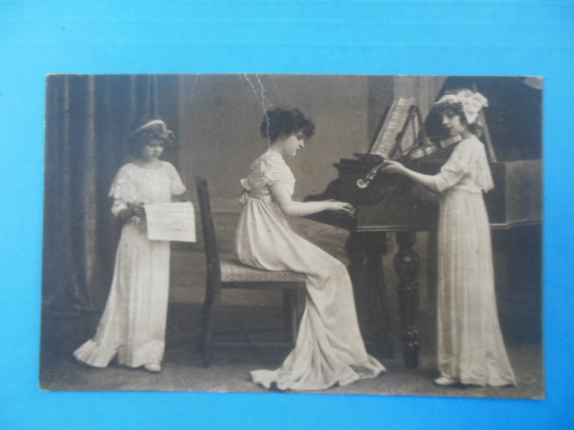 Image for Postcard Trio Young Girls Making Music (German)