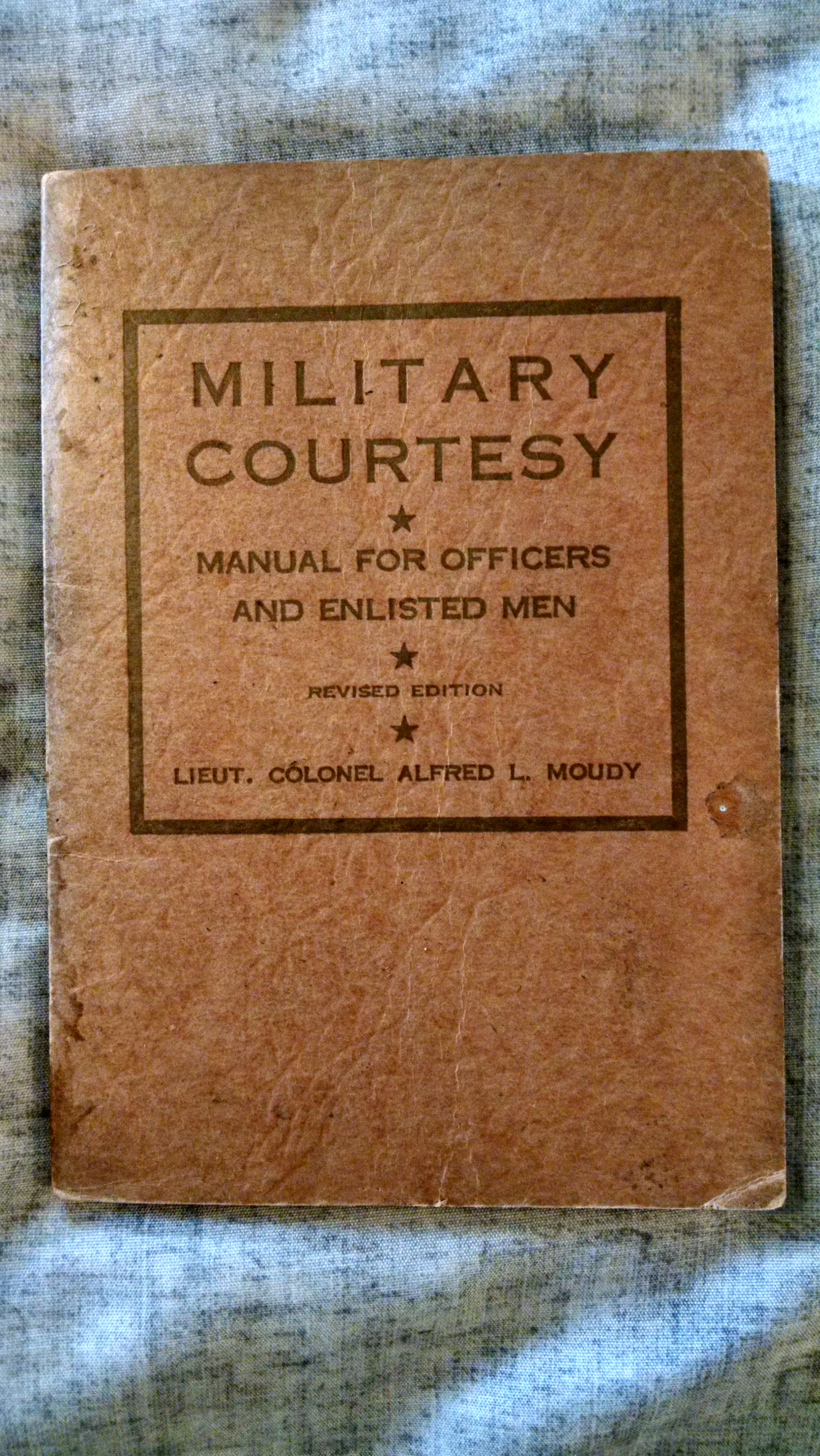 Image for MILITARY COURTSEY  MANUAL FOR OFFICERS AND ENLISTED MEN